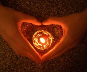 Sevgilinize Başkası Tarafından Aşk Büyüsü Yapılmış Olabilir mi?